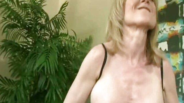 Marketa follando con la mama belonoha