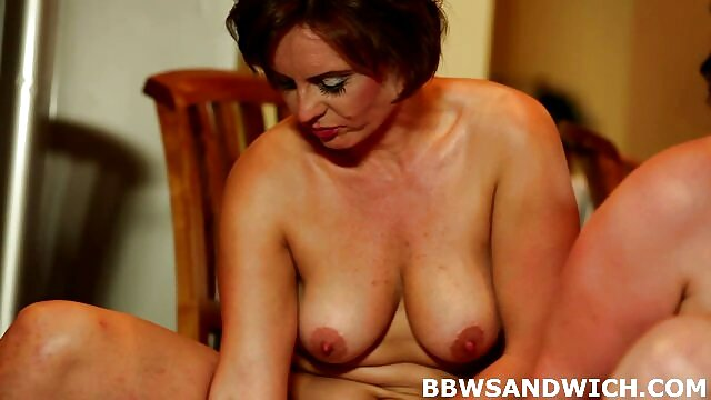 Rahyndee James anal con su madre