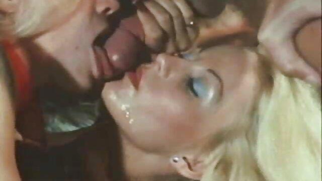Carter Cruise y Karlee Grey aman madres maduras follando el sexo lésbico
