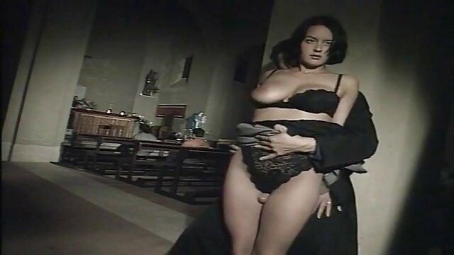 Silvia jons mama follando con el hijo
